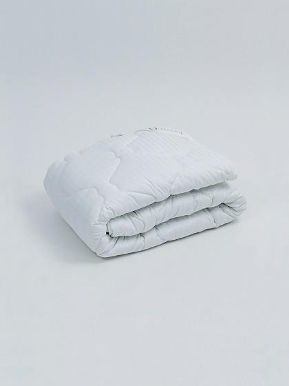 Одеяло Selena Страйп-Сатин 1,5 спальный, 140x205, Всесезонное, с наполнителем Полиэфирное волокно